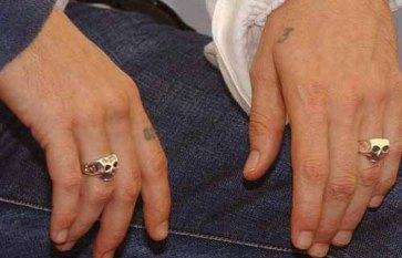 jonny-depp-skull-rings
