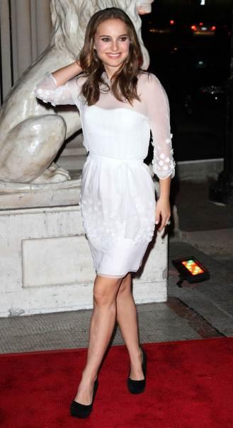 natalie-portman-black-swan-white-dress-i9
