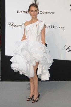 natalie_portman_white_dress_wi