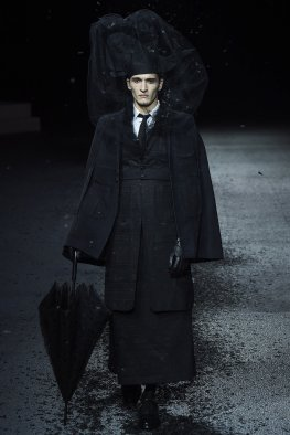 35 thom browne aw 15-16