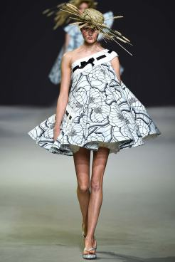 Viktor & Rolf SS 15 HAUTE COUTURE 1